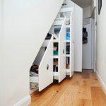 placard coulissant sous escalier